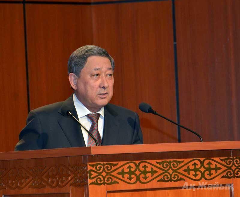 Governor Baktykozha Izmukhambetov