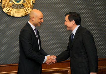 RoK Minister of Defence Adilbek Dzhaksybekov and James Appaturay, the special representative of the NATO Secretary General to Caucasus and Central Asia