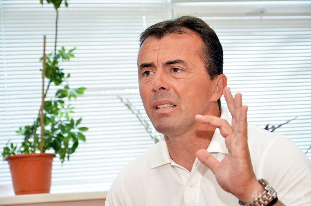 Coach of FC Atyrau Miodrag Radulovic