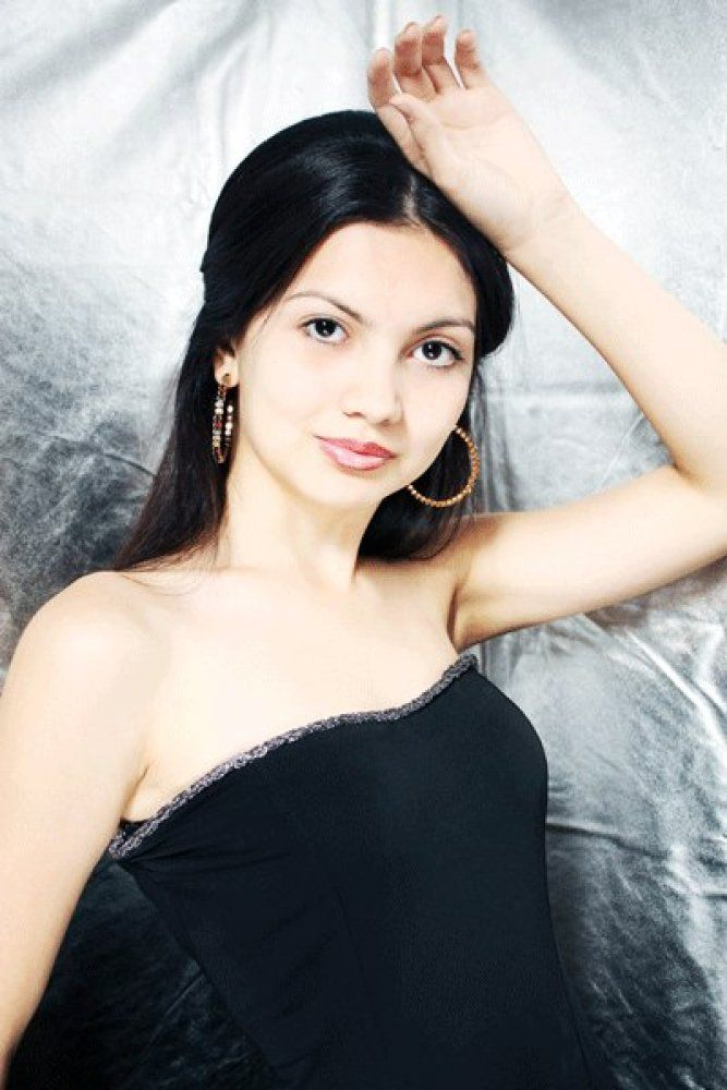Miss Atyrau 2013 Nazerke Faizulina