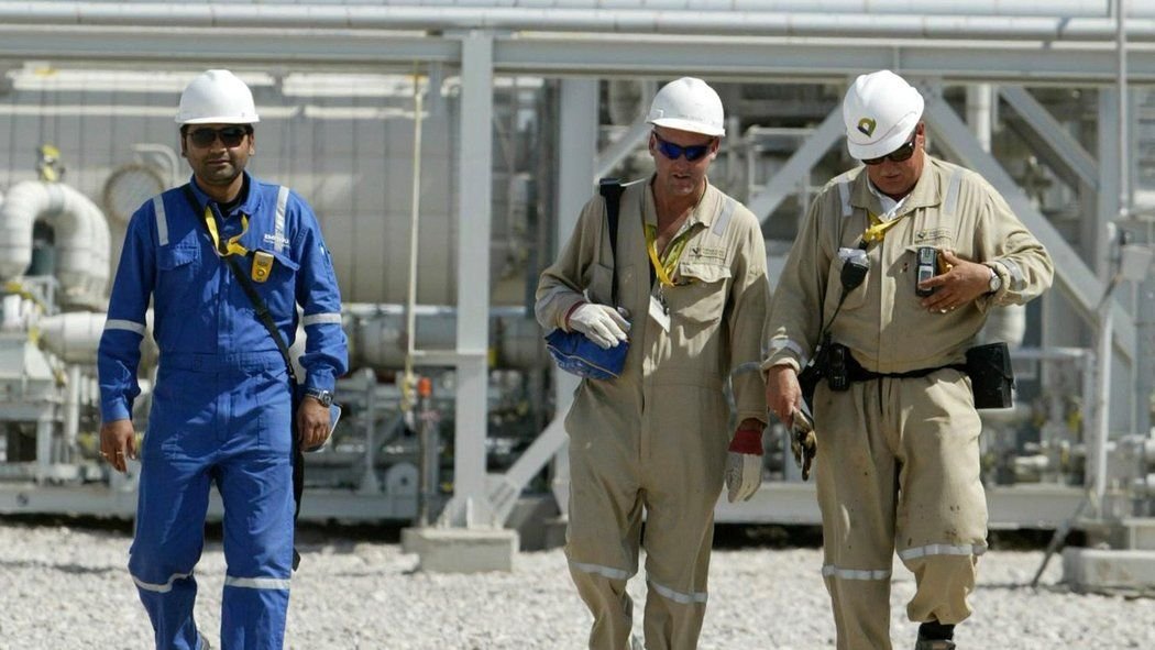 The Majnoon oil field in southern Iraq, operated by Royal Dutch Shell. Shell said its 4thQ profit fell 48%t. Reuters