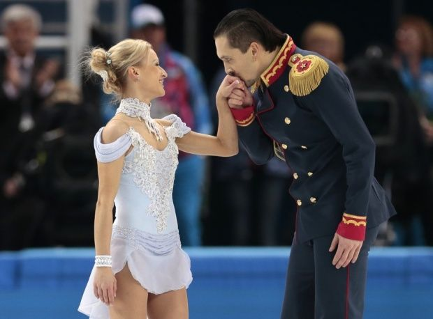 Tatiana Volosozhar and Maxim Trankov of Russia made a spectacular performance, which brought them ten scores and put the Russian team result ahead of others