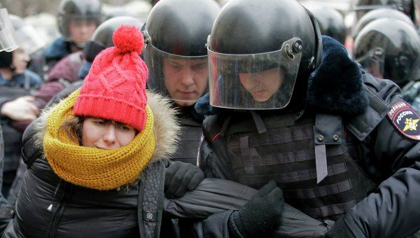 Some 500 Detained at Unauthorized Rallies in Russia