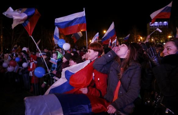People in Crimea celebrate referendum results. Photo: 16 March 2014 Thousands of pro-Russian Crimeans celebrated the referendum results