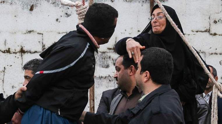 The victim's mother slaps the killer.