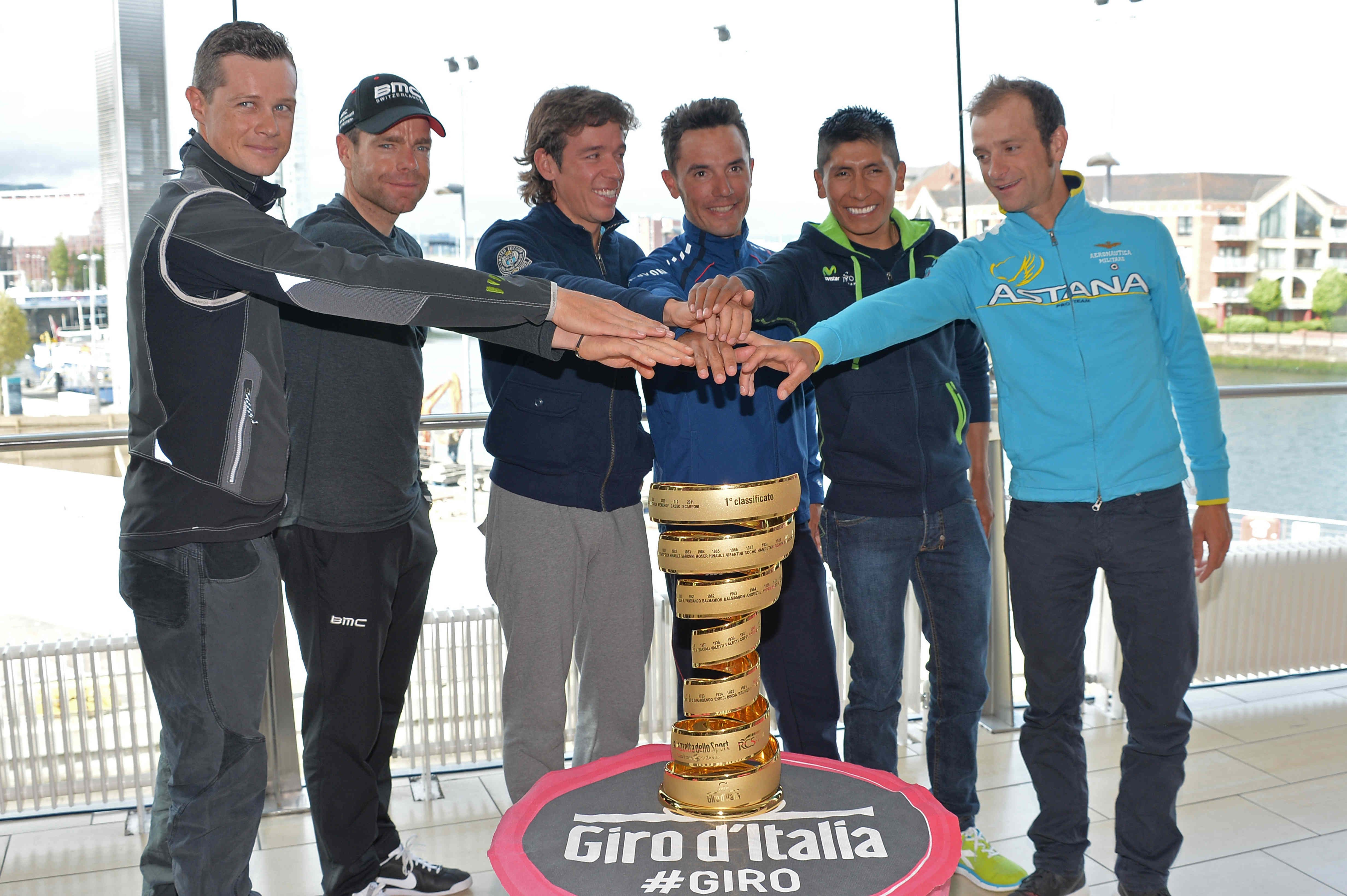 Members of Giro D'Italia getting ready for the race.