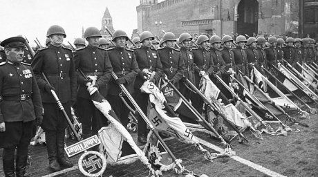 Victory Parade on Red Square in Moscow, 1945 ©Topwar.ru.