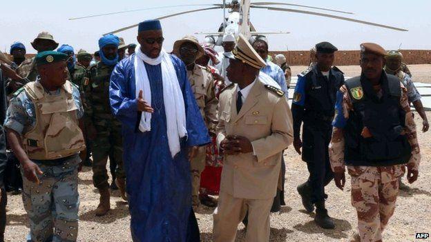 Prime Minister Moussa Mara (centre) said that Mali was