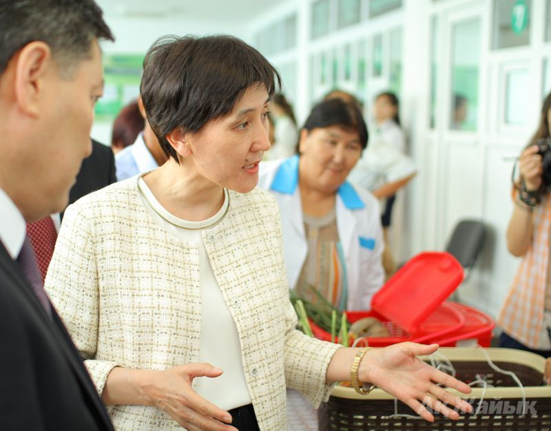 Minister Tamara Duissenova