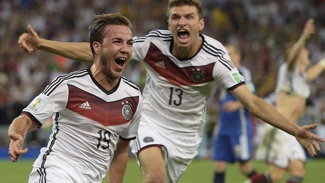 Mario Götze celebrates his winner
