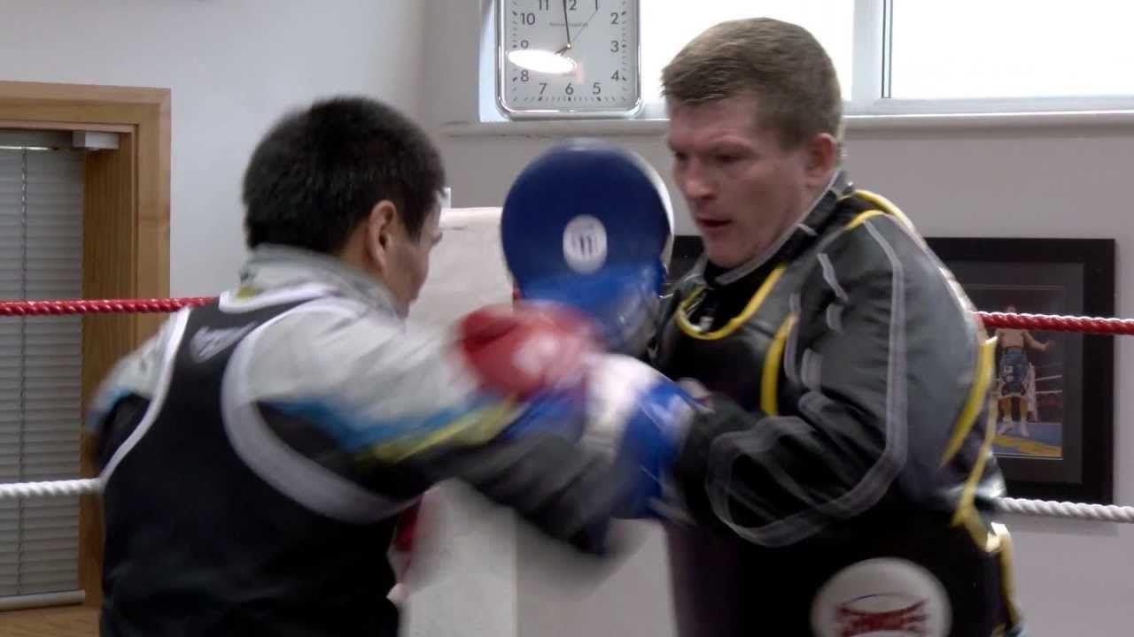 Ricky Hatton training Kazakhstan's Zhakiyanov