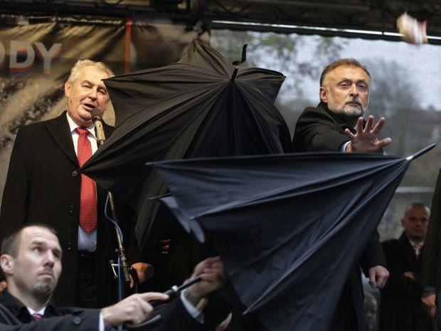 Czech president pelted with eggs, tomatoes on 25th anniversary of Velvet Revolution
