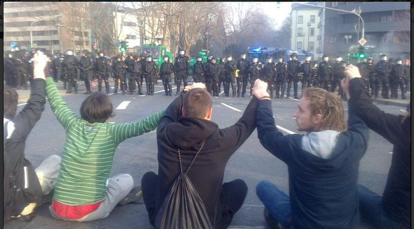 Blockupy movement members