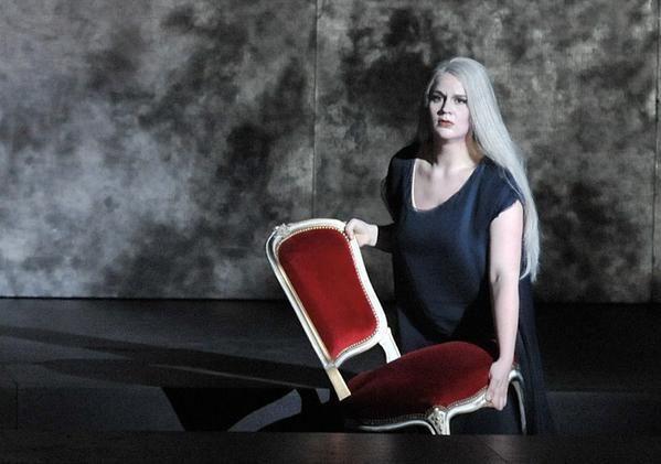 German singer Maria Radner identified as crash victim, along w. husband and baby