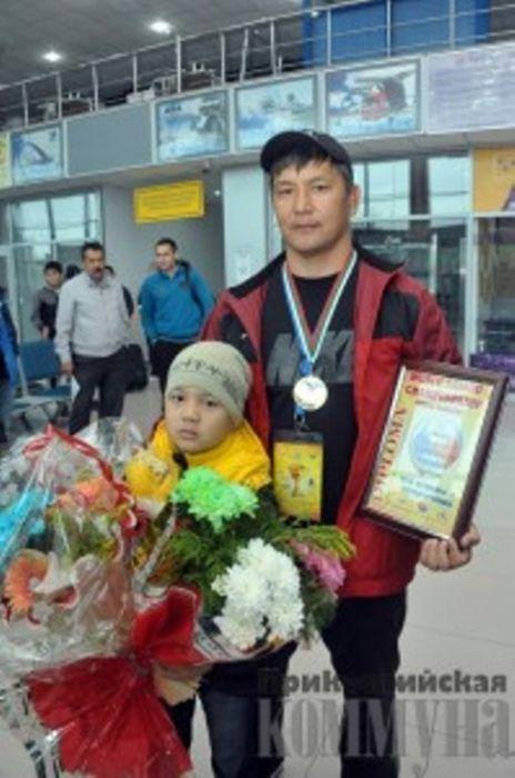 Wrestler from Atyrau Won Gold in World Sambo Championship