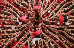 Spectacular human towers reach for skies at Catalan fest