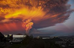 Spectacular Calbuco voulcano eruption in Chile