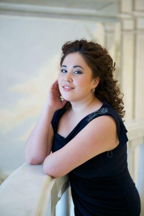 Saltanat Akhmetova - Opera Singing Sensation