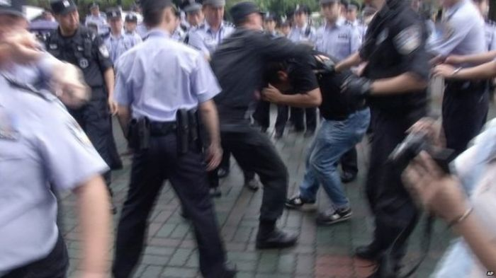 Armed police move in against Chinese anti-plant protesters
