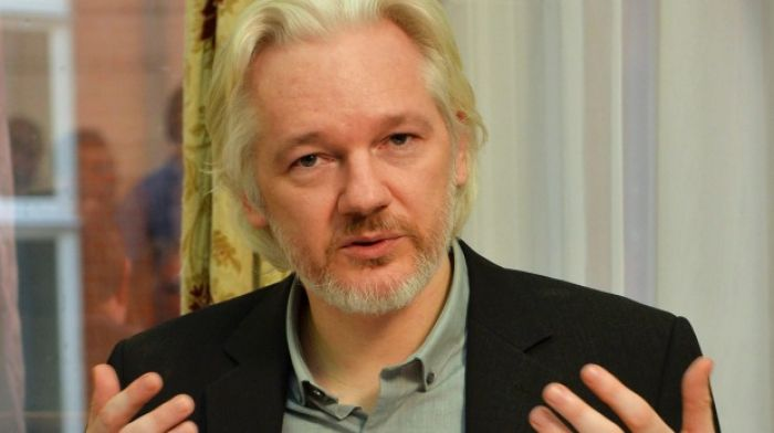 ​Calls in France to offer asylum, citizenship, to Snowden and Assange
