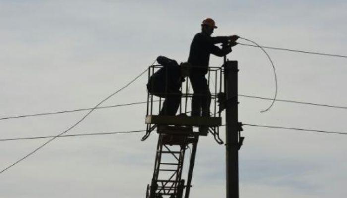 Russia cuts off power supplies to Kremlin-backed rebels: Kiev