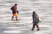 ​Ice fractured under fisherman's weight and caused drowning