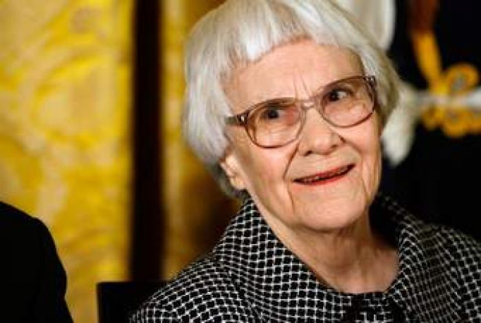 Harper Lee: US author of To Kill a Mockingbird dies aged 89