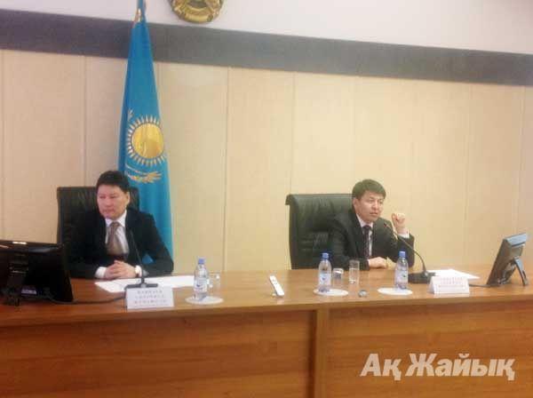 Солдан оңға қарай: облыс әкімінің орынбасары С.Нақпаев және ТМРА төрағасының орынбасары А.Алпысбаев.