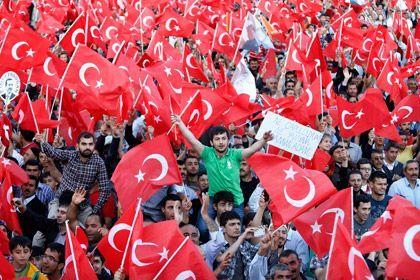Режеп Тайып Ердоғанның жақтастары. Фото: Umit Bektas / Reuters