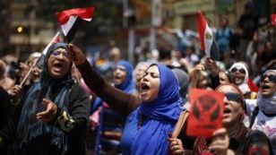 Египеттегі наразылық шеруіне қатысушылар. Каир, Тахрир алаңы, 1 шілде 2013 жыл. Фото: azattyq.org