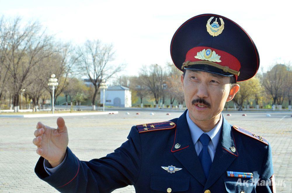 Әкімшілік полиция басқармасының бастығы Жәнібек ШӘРІПОВ.