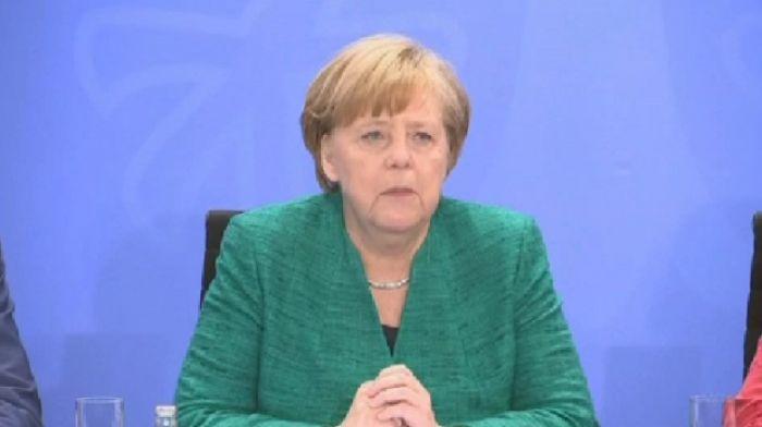 Германия үкіметі қиын кезеңді бастан кешуде