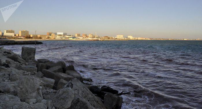 Каспий теңізінде балықшылар мінген қайықты жел ұшырып әкетті