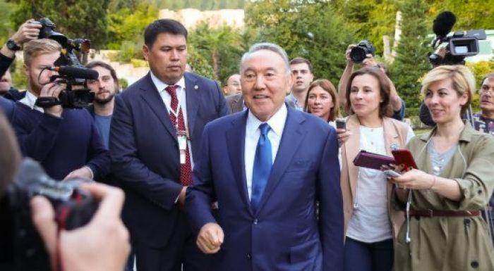 """Тоқаев: """"Назарбаев 2020 жылы президенттік сайлауға түседі дегенге сенбеймін"""""""