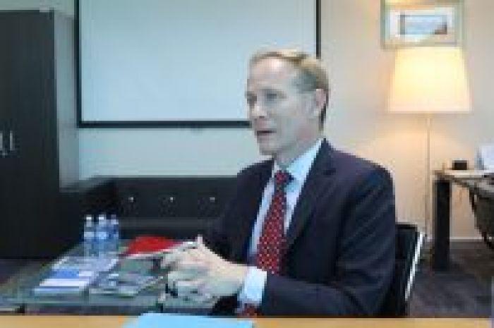 Ричард Хоув: «Денсаулығым үшін жүгіремін, кітап жинаймын. Әрі NCOC-тың басқарушы директорымын»