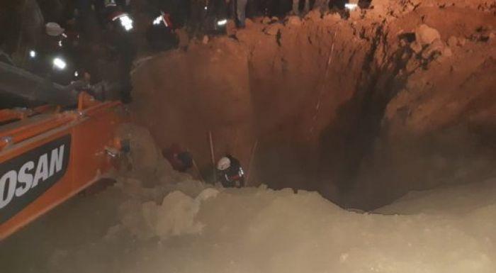 Шымкентте жұмысшылар үйінді астында қалып қойды