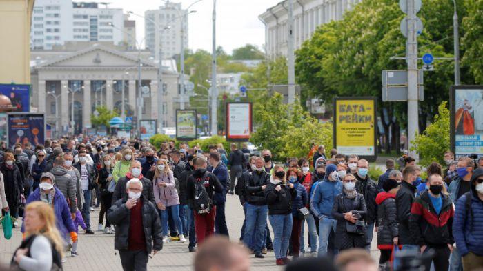 Беларусьте сайлау қарсаңында жаппай тәртіпсіздік болып жатыр