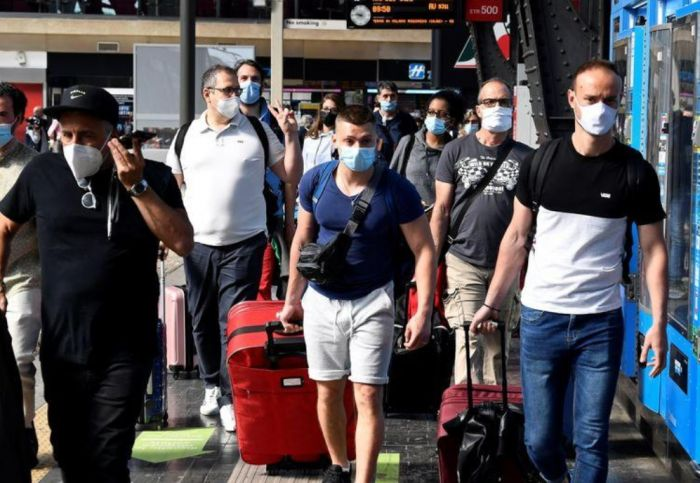 Италияда маска режимін бұзғандарға салынатын айыппұл мөлшері 1 мың еуроға дейін артты