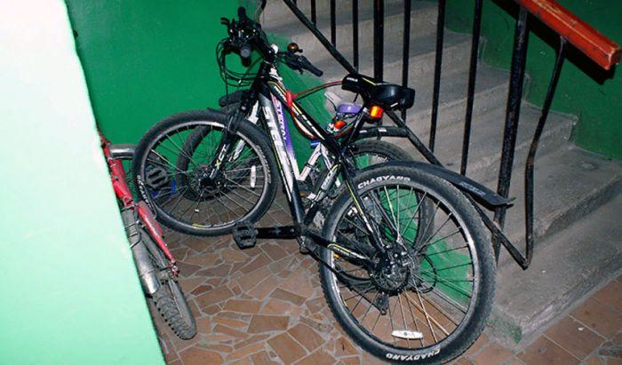 Велосипедті кіреберіске қалдырмаңыз