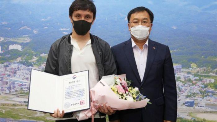 Оңтүстік Кореяда 10 адамды құтқарған қазақстандық марапатталды