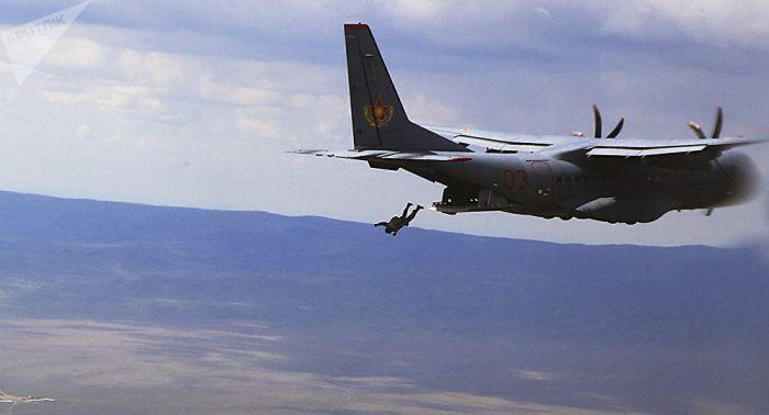 Ақтауда әскери қызметшінің парашюті ашылмай қалды