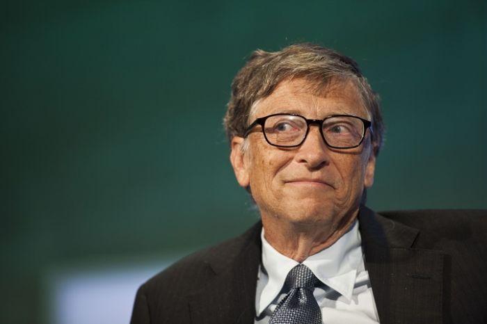 Билл Гейтс пандемияның қашан аяқталатынын болжады