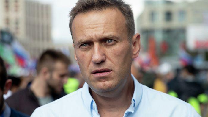 """Навальный өзіне """"у бергендердің"""" артында Путин тұр деп мәлімдеді"""