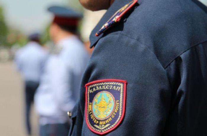 Полицияның рота командирі инспекторлардың жалақысына көз салған