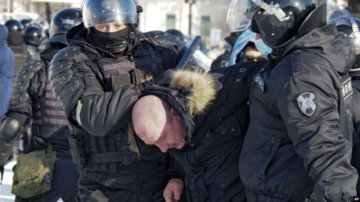 Ресей қалаларында Навальный жақтастарының жаппай наразылығы өтіп жатыр