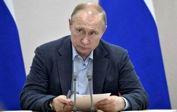 Путин Навальныйдың тергеуіне қатысты алғаш рет пікір білдірді