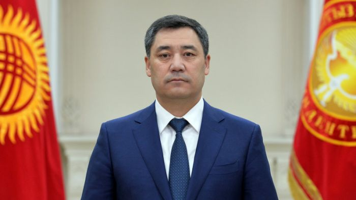 Қырғызстан президенті жаңа Конституцияға қол қойды
