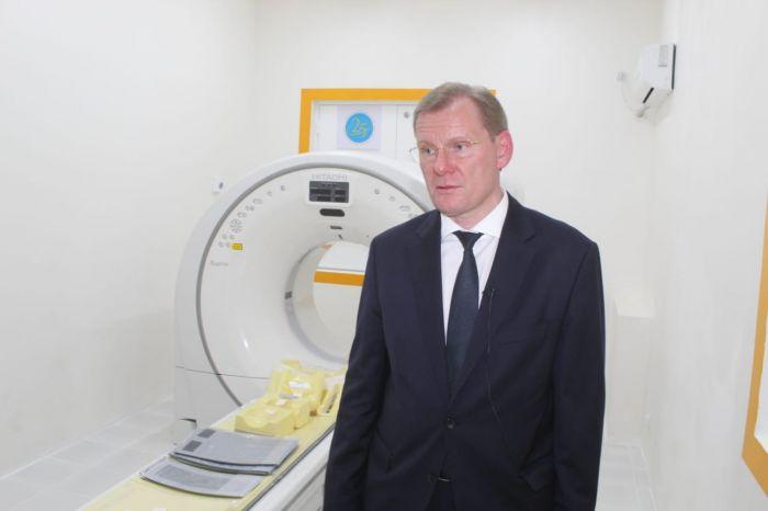 КҚК құрманғазылықтарға заманауи компьютерлік томограф тарту етті