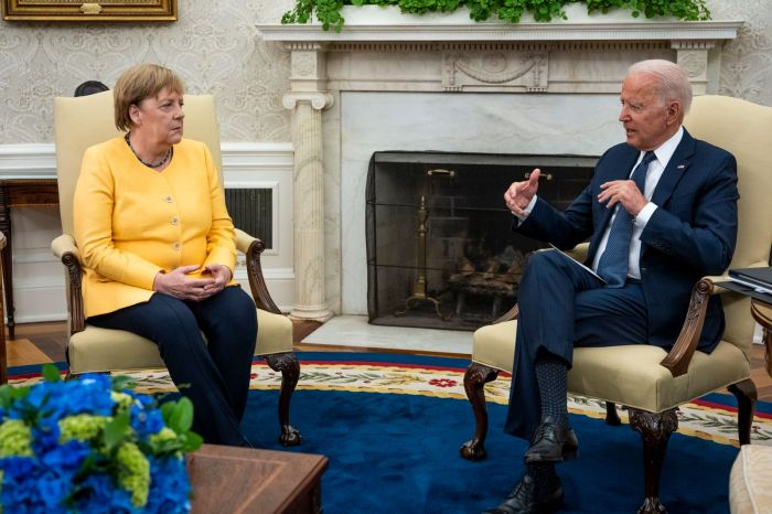 """Байден мен Меркель """"Вашингтон декларациясына"""" қол қойды"""