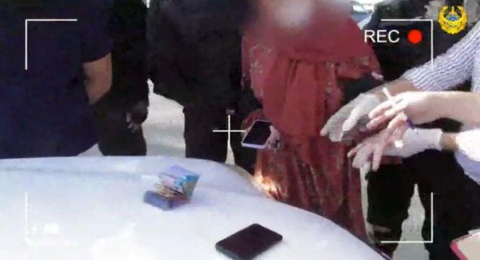 18 жастағы Атырау тұрғынынан ірі көлемде ақша бопсалаған қызды полиция ұстады